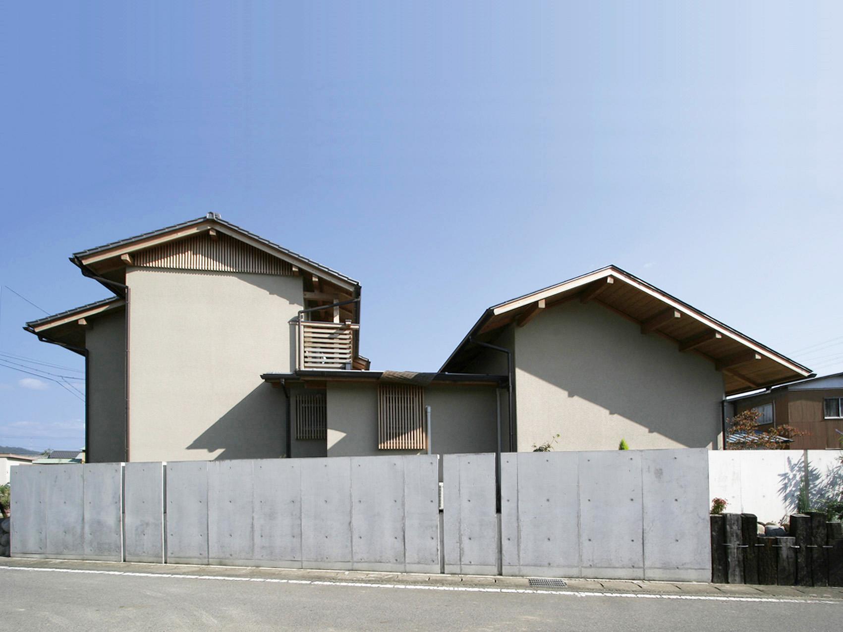 東志摩の家